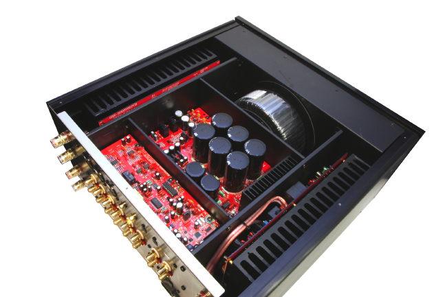 Advanced Acoustic X-i1000 heißt das neue Kraftpaket aus Frankreich