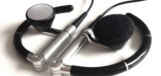 Band & Olufsen liefert seine beoplay 3i mit Ohrpolstern aus, die sich bei Gebrauch auch gleich wieder von alleine demontieren