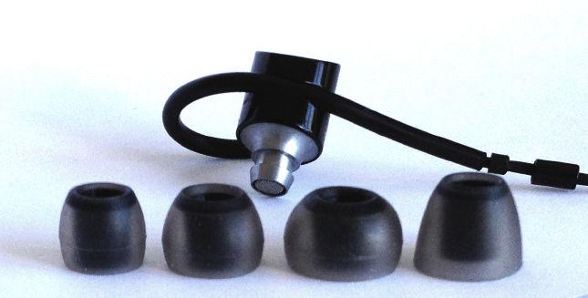 Damit sie für möglichst viele Ohren passen, haben die Bowers & Wilkins C5 Serie 2 vier verschieden große Paare Ear-buds dabei.