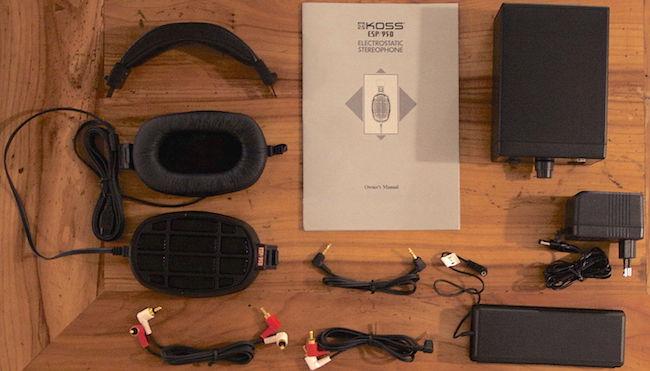 Der Lieferumfang des elektrostatischen Kopfhörers Koss ESP 950 ist umfangreich