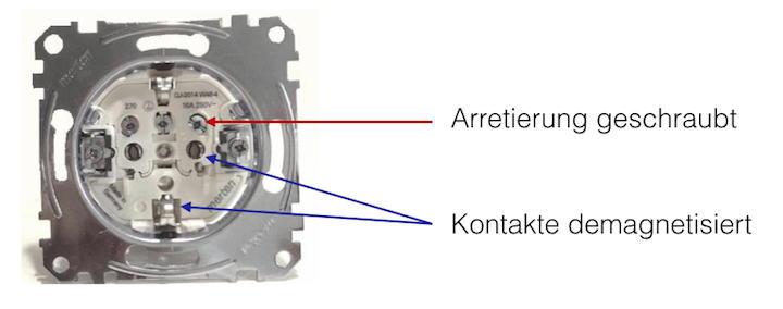 Breit, demagnetisiert,veredelt: Die Kontakte der GigaWatt Steckdose versprechen soliden Halt und guten Stromfluss