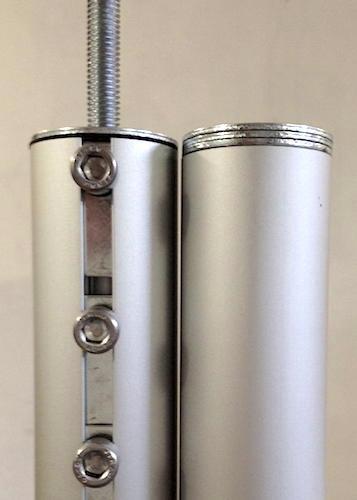 creaktiv liefert auch Unterlegscheiben mit, um den Höhenunterschied zwischen neuem Rohr (links) und altem Rohr (rechts) auszugleichen