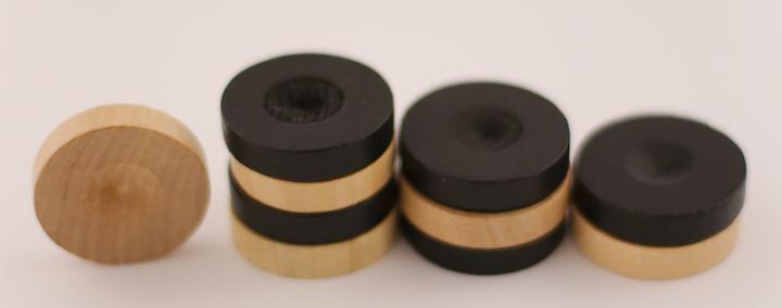 Nette Haptik, netter Klang:  Albat Holographic Sound Disks sind in zwei Farben erhältlich