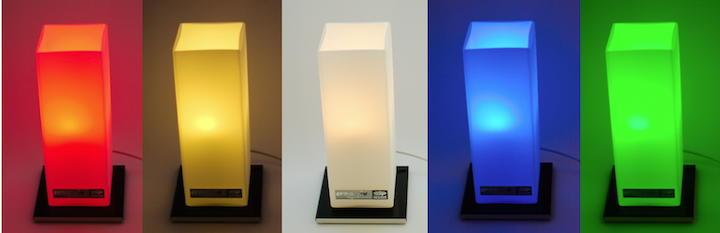 Farben-Spiel: Mit der Fernbedienung des creaktiv  Air Field Equalizers lassen sich schlichte Farben, Farbstimmungen wie Wald, Meer oder Kerzenschein, aber auch gedimmtes Weißlicht einstellen