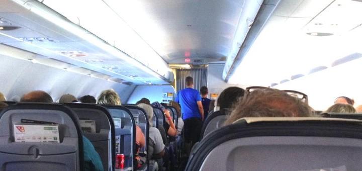Im Flugzeug kann Musikgenuss wunderbar entspannen – wenn erst die Hürden der Physik überwunden sind