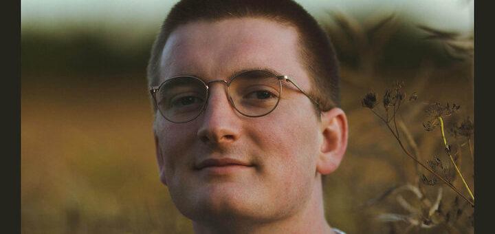 Portrait ist der Titel des jüngsten Albums von Jonny Mansfield – er hat es in weniger als 24 Stunden komponiert, eingespielt, gemischt und veröffentlicht
